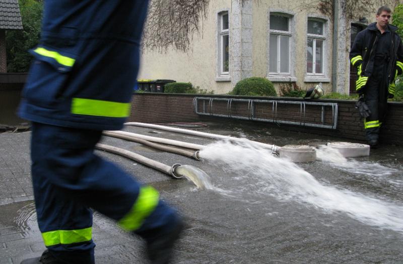 Feuerwehr-Einsatz bei Starkregen und urbane Sturzfluten